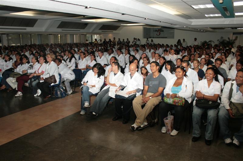 con-estudiantes-de-medicina-fidelvasquez-02.jpg