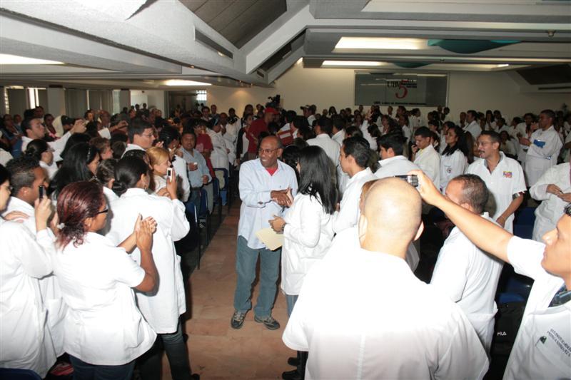 con-estudiantes-de-medicina-fidelvasquez-03.jpg