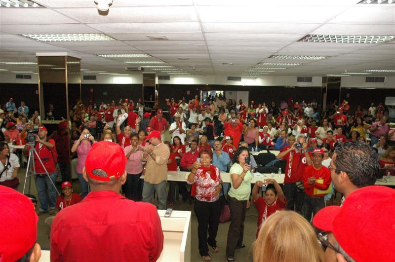 con-lideres-comunitarios-01-fidelvasquez.jpg