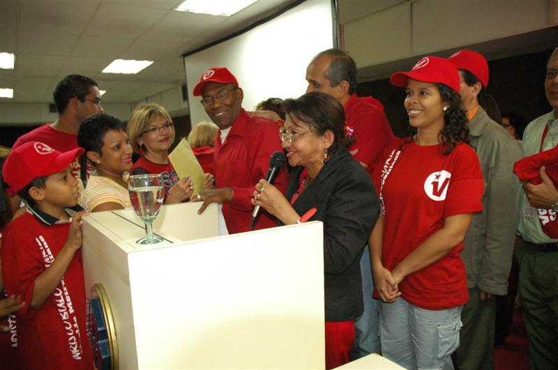 con-lideres-comunitarios-03-fidelvasquez.jpg