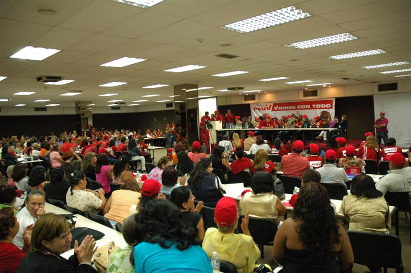 con-lideres-comunitarios-05-fidelvasquez.jpg