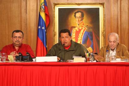 presidente-chavez-fidelvasquez-11-nov.jpg