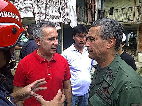 Freddy Bernal y general Mota en Nueva tacagua-Fidel Ernesto Vasquez